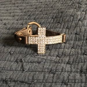 Jewelry - Gold cross bracelet